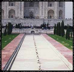 Taj Mahal Fountaines